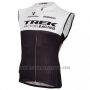 2016 Wind Vest Trek Black and White